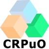 Les chercheurs qui travaillent parmi l'équipement dans la Salle propre jaune au CRPuO